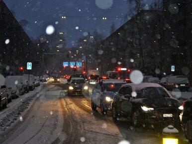 Poważne wypadki na A4, S8 i DK48. Gwałtowne opady śniegu w całej Polsce