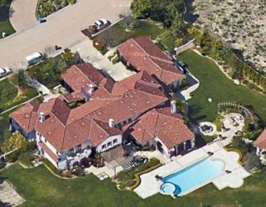 Khloe Kardashian sprzedaje swój dom w Calabasas. Cena? 18,95 mln dolarów