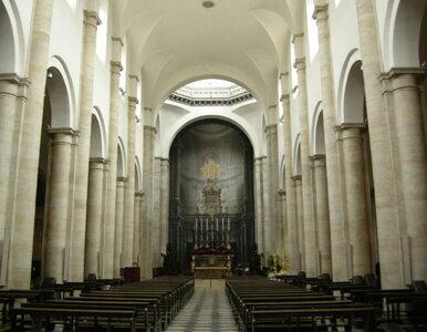 W katedrze w Turynie zainstalowano terminal do kart płatniczych....