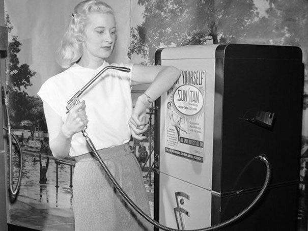 Automat do opalenizny, 1949 (fot. boredpanda.com)