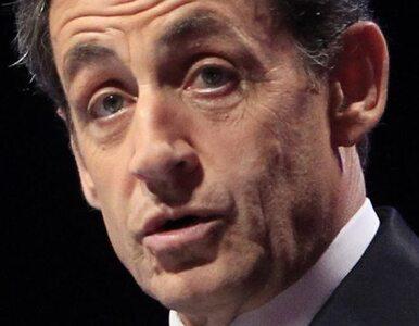 Wygwizdany Sarkozy chroni się w barze i ...spóźnia na szczyt UE