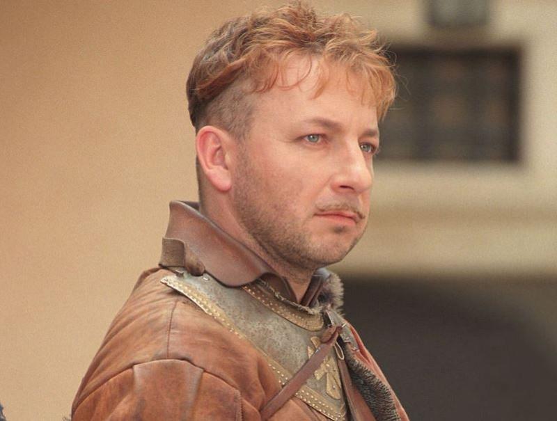 """Zbigniew Zamachowski jako pułkownik Jerzy Michał Wołodyjowski w filmie """"Ogniem i mieczem"""" (1999)"""