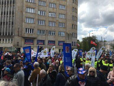 """Święto Pracy w Warszawie. OPZZ manifestuje pod hasłem """"Przywróćmy godną..."""