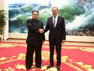 """Rosyjska telewizja stosuje propagandę? Kim Dzong Unowi """"doklejono"""" uśmiech"""