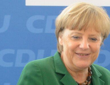 """Merkel zapewnia, że przyjmie Hollande`a """"z otwartymi ramionami"""""""