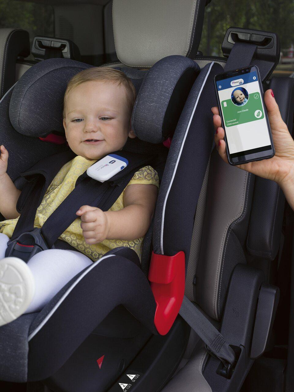 We Włoszech posiadanie systemu do ostrzegania o pozostawieniu dziecka w foteliku jest już obligatoryjne. Bebecare easy-tech marki Chicco można dostać także w Polsce