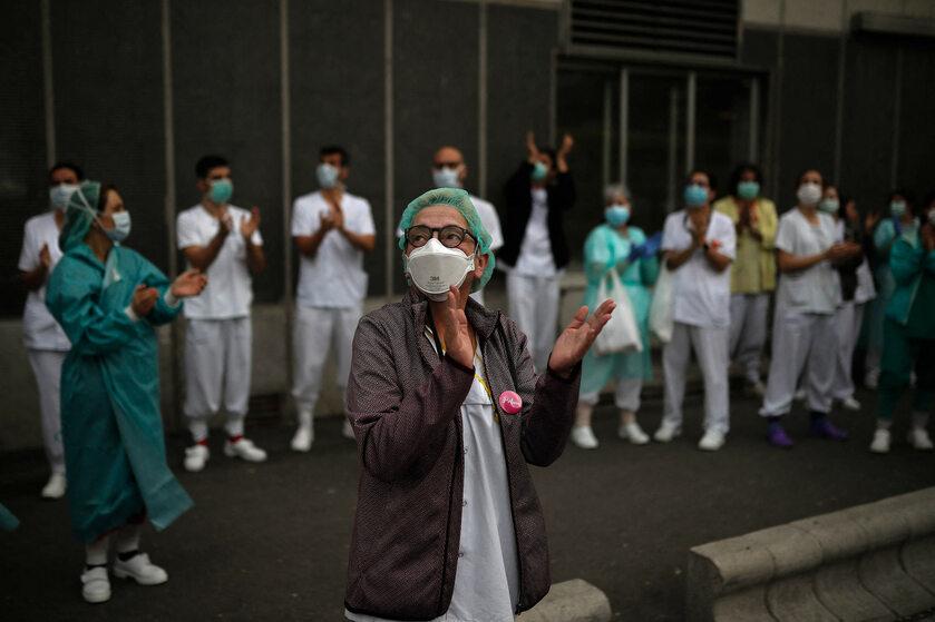 Hiszpańscy medycy dziękują za wsparcie w walce z koronawirusem