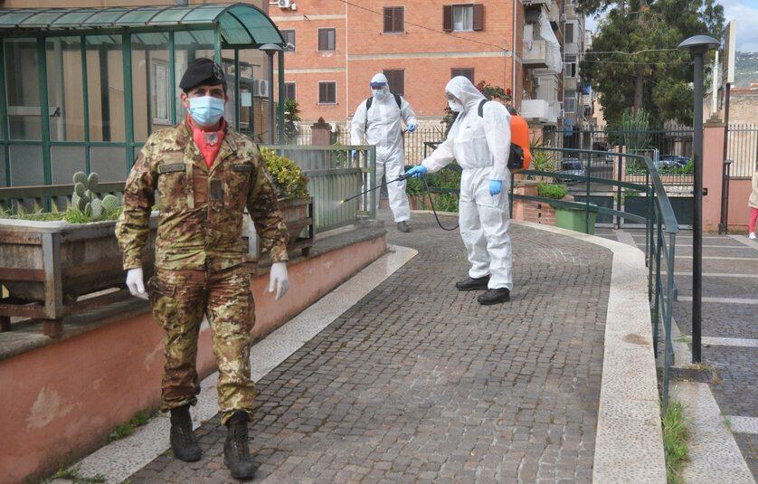 Dezynfekcja ulic we Włoszech