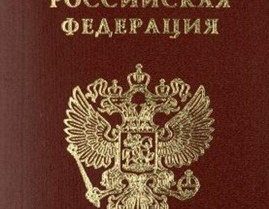 Łotysze masowo wyrabiają rosyjskie paszporty