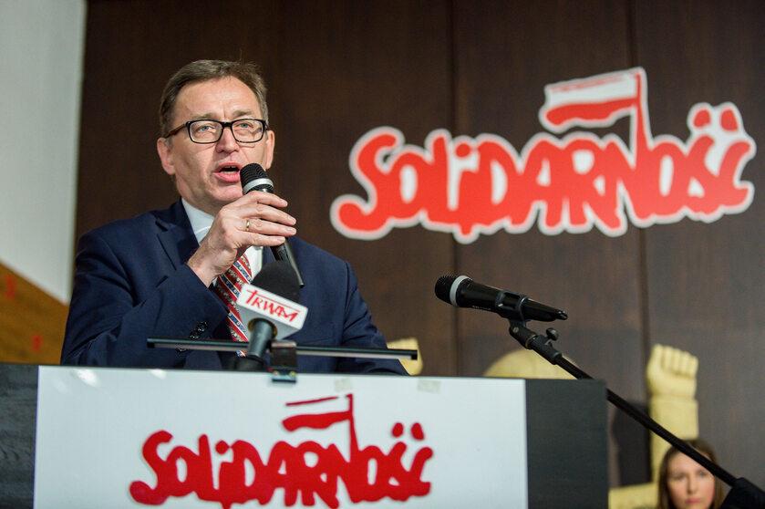 Jarosław Szarek na rocznicy utworzenia wolnych związków zawodowych