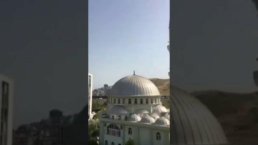 Jeden z meczetów, w którym zagrano Bella Ciao