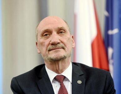 Macierewicz o decyzji Tuska: Przyznał się do odpowiedzialności za złe...