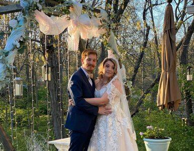 Koronawirus pokrzyżował ich plany na wesele. Wzięli ślub w towarzystwie…...