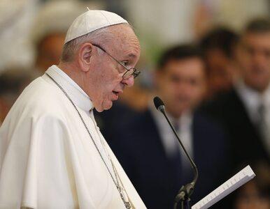 Nagranie zaskakującego zachowania papieża stało się hitem. Watykan wyjaśnia