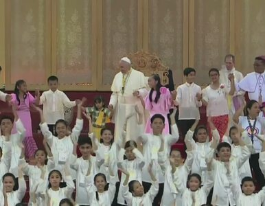 Papież zatańczył z młodymi Filipińczykami