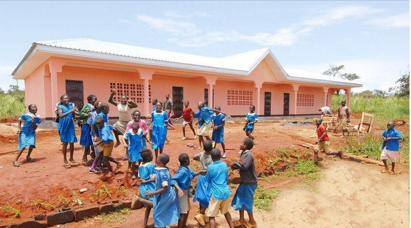 Dzieci z jednej ze szkół w Kamerunie