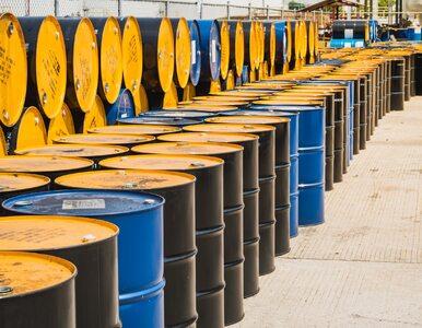Po spokojnym początku tygodnia, czas na tąpnięcie. Ceny ropy mocno w dół