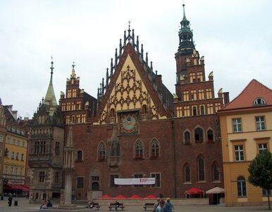 Wrocław jest zadłużony więc... weźmie kredyt