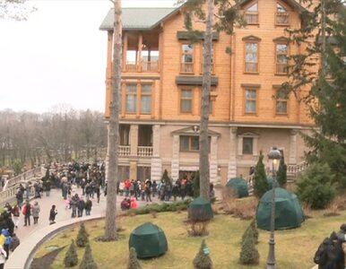 Ukraińcy tłumnie zwiedzają luksusową willę Janukowycza