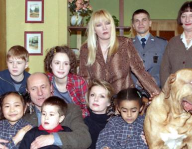 """QUIZ z serialu """"Rodzina zastępcza"""". Pamiętasz, jak wabił się pies..."""