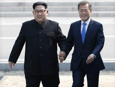Ten uścisk dłoni przejdzie do historii. Kim Dzong Un przekroczył granicę...