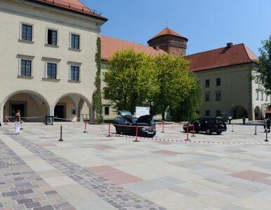 Atakował siekierą na Wawelu. Twierdzi, że to jego dom