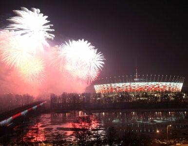 Fajerwerki nad Warszawą - Stadion Narodowy gotów na Euro 2012