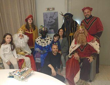 """Andres Iniesta krytykowany za zdjęcie ze święta Trzech Króli. """"To bardzo..."""