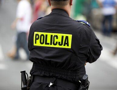 Policjant postrzelił się na komendzie w Bartoszycach. Trafił do szpitala