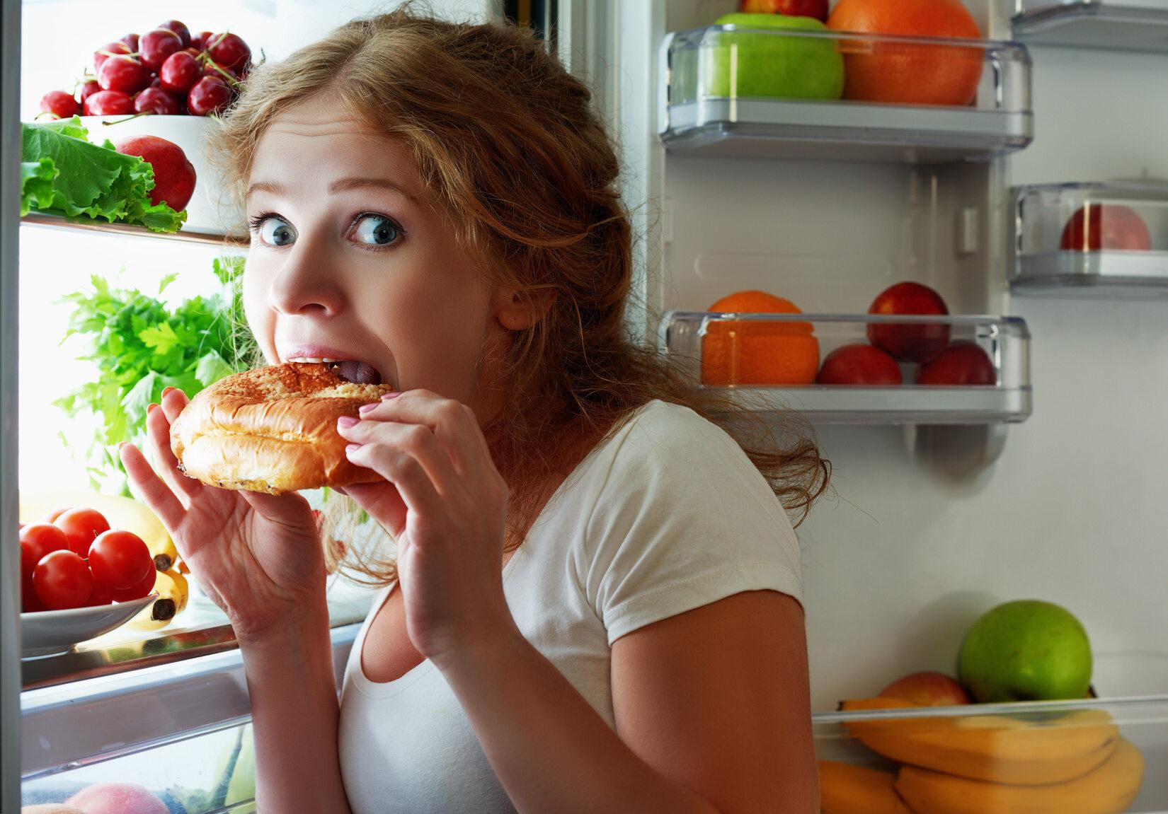 Podjadanie w nocy i między posiłkami