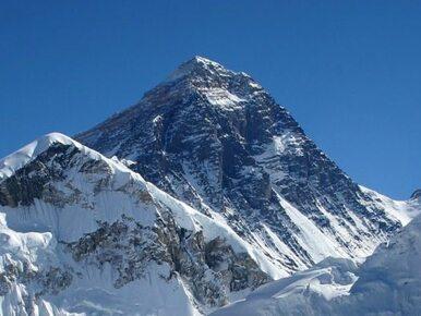 Książę Harry jest winien armii... wspinaczkę na Mount Everest?