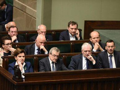 Niedyskrecje parlamentarne #7. Zastępcy Szydło grają na siebie. Chcą...