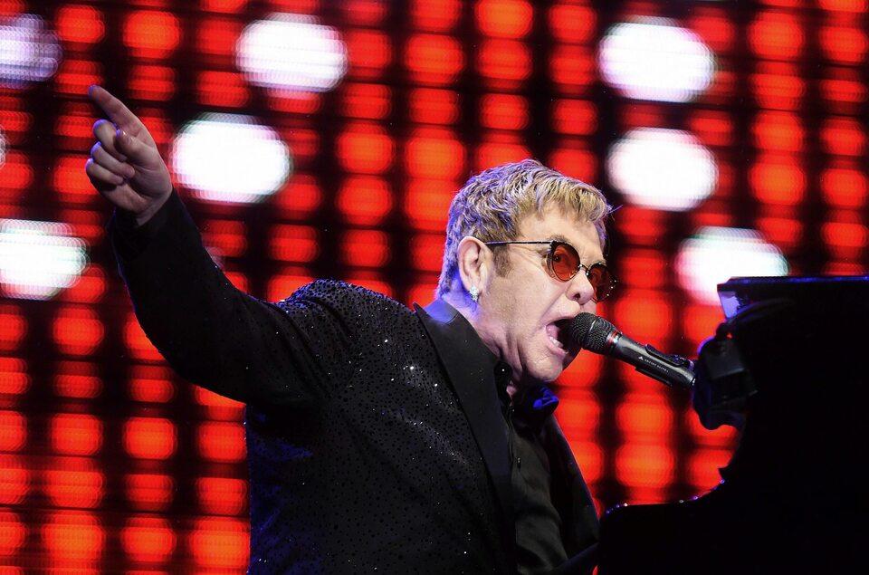 Elton John podczas koncertu w Rio de Janeiro, 1 kwietnia 2017 roku