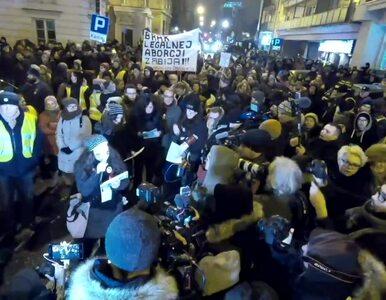 """Kobiety protestowały na ulicach polskich miast. """"Nie ma wolności bez..."""