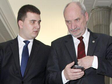 """Misiewicz powodem konfliktu prezesa PiS z szefem MON? """"Kaczyński może..."""
