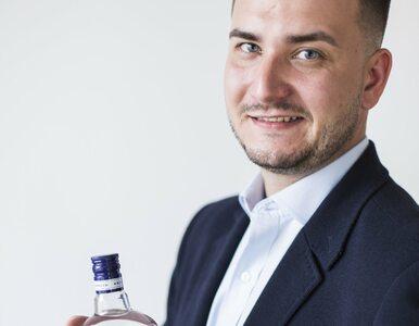 """Bartłomiej Misiewicz ma własną wódkę. """"Jedyna, która smakuje nawet bez..."""