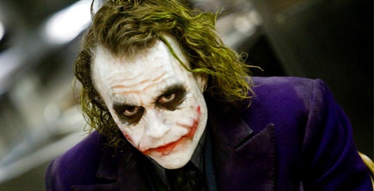 """W filmie """"Mroczny rycerz"""" (2008) Jokera zagrał:"""