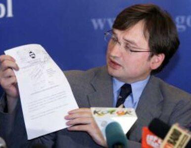 Ziobro do Komorowskiego: Proszę nie zabierać Polakom krzyża spod Pałacu