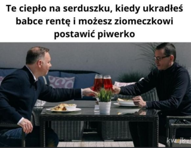 Duda i Morawiecki poszli na piwo. Te MEMY to najlepszy komentarz