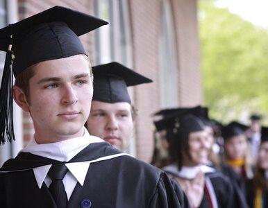 Co czeka absolwenta? Pół roku bezrobocia